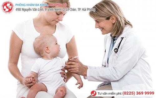 Thực hiện cắt bao quy đầu cho trẻ sơ sinh