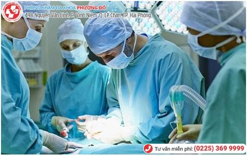 Phẫu thuật là phương pháp điều trị bệnh nhân xơ tử cung