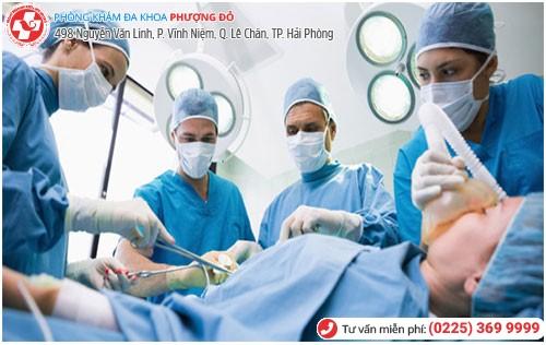 Phẫu thuật ngoại khoa điều trị khí hư vón cục